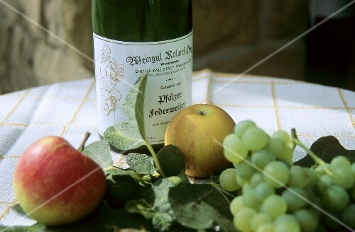 Federweisser (new wine) & fruit (Rheinpfalz, Germany
