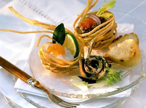 Panierini di linguine e involtino di sarda (appetiser)