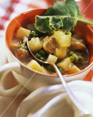 Vegetable stew with kohlrabi & pork in soup cup