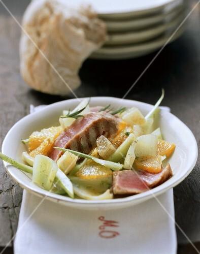 Insalata di agrumi e tonno (Citrus fruit and tuna salad)