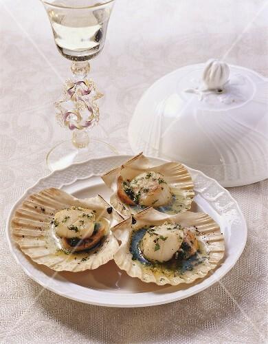 Capesante al forno (oven-baked scallops, Italy)