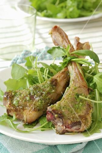 Lamb chops with pesto and rocket