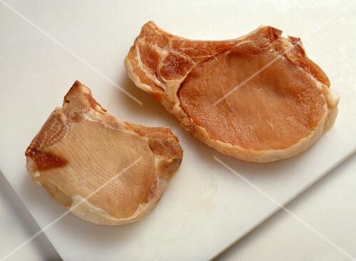 Good and bad pork chop – License Images – StockFood – 26628