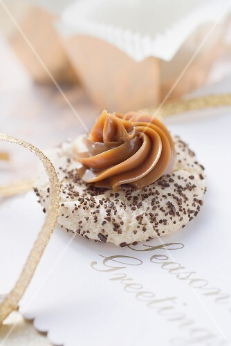 Espresso & caramel biscuit for Christmas