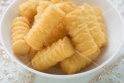Potato croquettes in white bowl (Christmas)