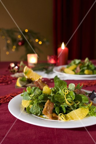 Corn salad with orange segments and bacon (Christmas)
