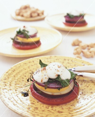 Gratinierter Gemüseturm mit Mozzarella (Italien)