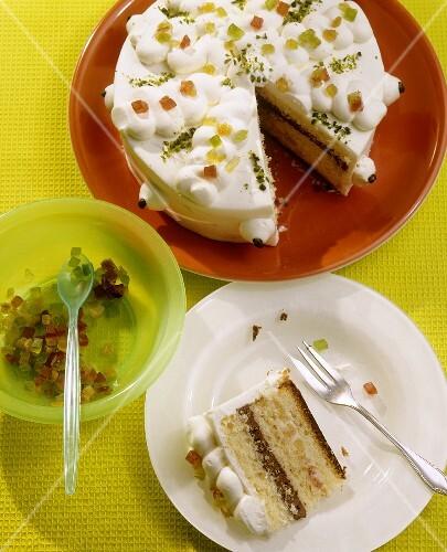 Zuppa romana (Layered sponge cake with cream filling)