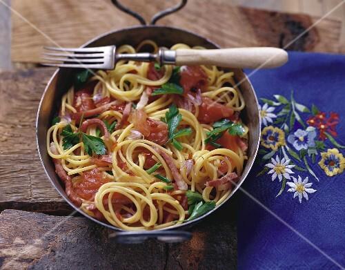 Spaghetti dell'alpinista (Spaghetti with bacon sauce & tomatoes)