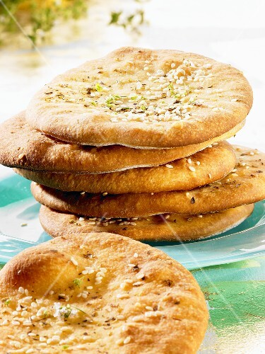 Oriental thyme bread with sesame