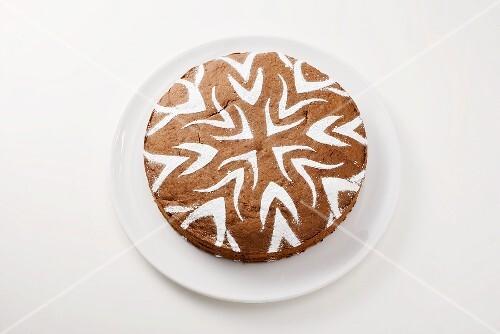 Cake with icing sugar decoration