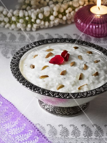 Kheer with almonds (Indian rice pudding)