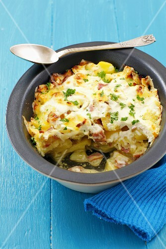 Tartiflette (Potato dish with bacon, onions and sour cream)