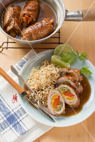 Asian-style roulades with peppers