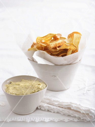 Sweet potato crisps with avocado and garlic mayonnaise