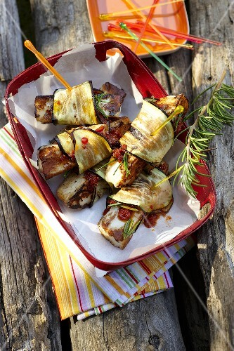 Grilled aubergine rolls with halloumi cheese
