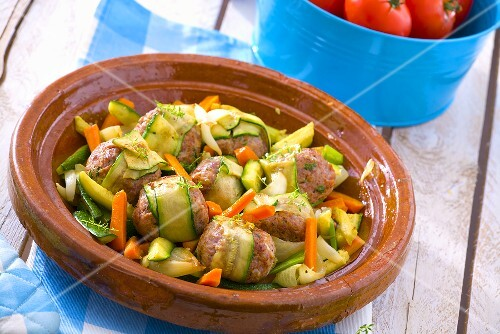 Meatballs with courgettes and carrots in tajine