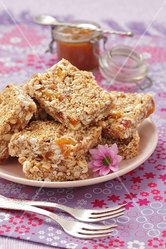 Flapjacks with peanut butter and honey
