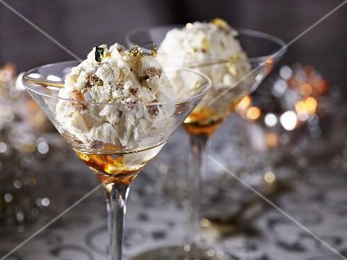Ice cream desserts with maroni and meringue