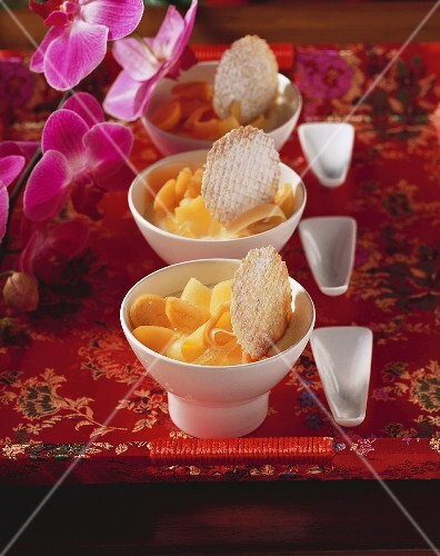 Ginger cream with fruit