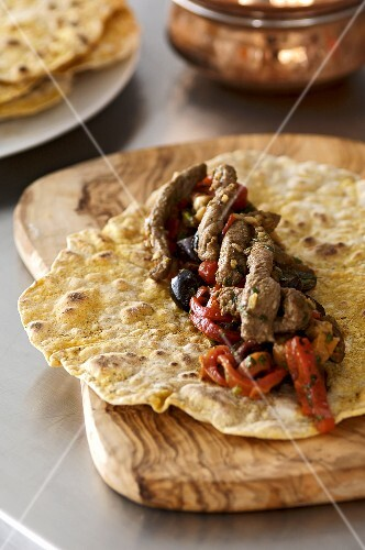Lamb and pepper wraps with harissa (Morocco)