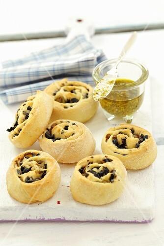 Olive yeast pastries