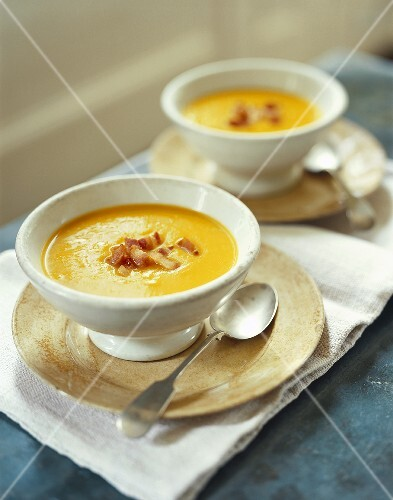 Cream of pumpkin soup with smoked bacon