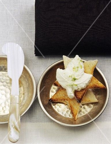 Toast stars with lime butter