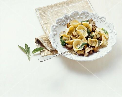 Tortelloni alle patate e speck (Pasta stuffed with potato)