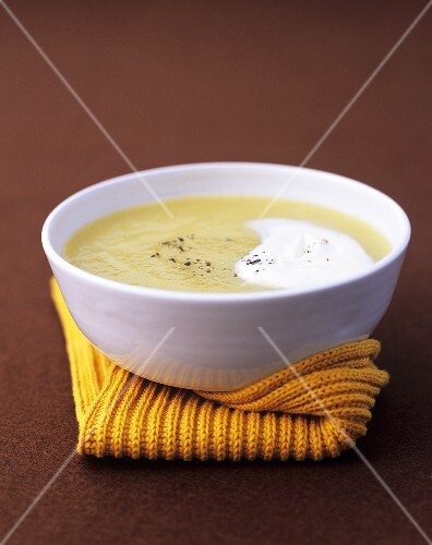 Celeriac soup with truffle cream