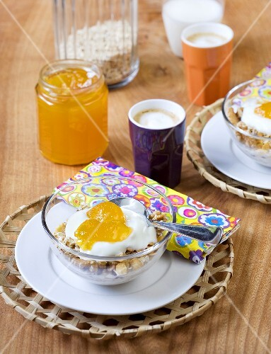 Muesli with yogurt and passion fruit and orange jelly