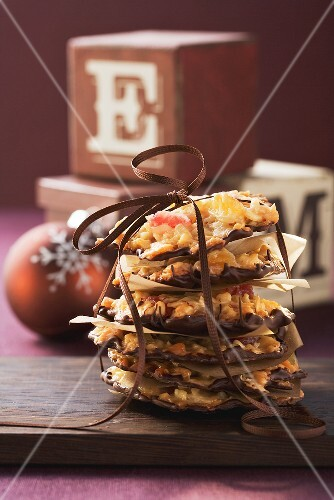 Florentines tied with ribbon