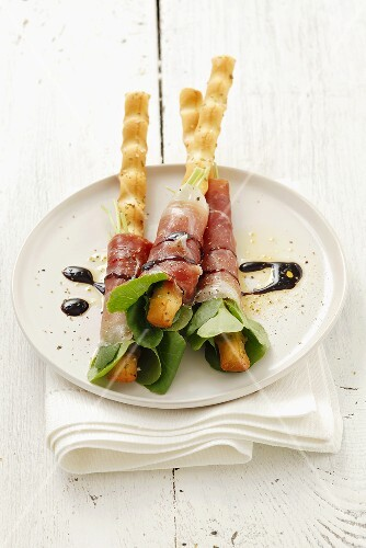 Grissini with ham and cress