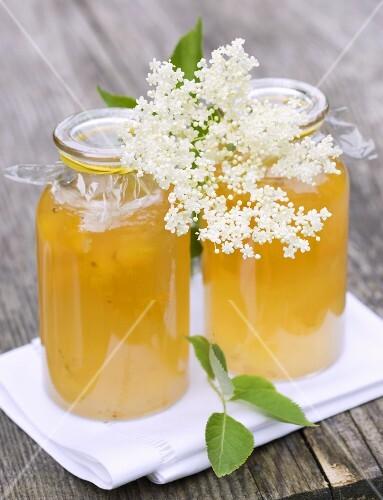 Lemon and elderflower jelly