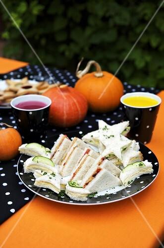 Verschiedene Sandwiches für Halloween