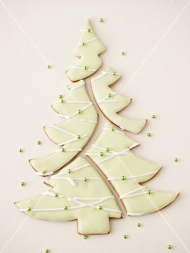 Tannenbaum Puzzle.Lebkuchen Tannenbaum Mit Zuckerguss Als Bilder Kaufen 369182