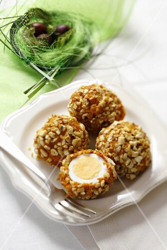 Boiled eggs with nut coating