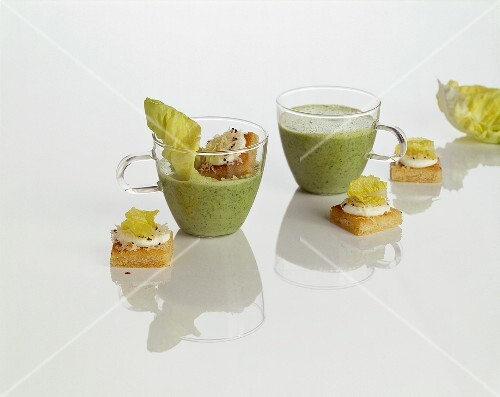 Lettuce soup with goat's cheese on toast