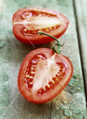 A halved tomato