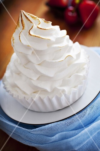 Meringue in a paper case
