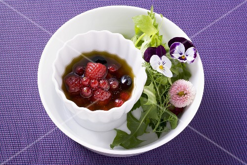 Raspberry vinaigrette and fruits of the forest
