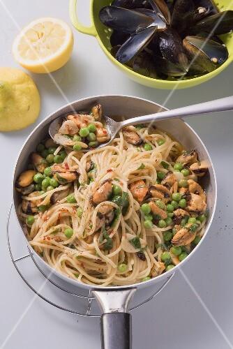 Spaghetti aglio e olio mit Muscheln