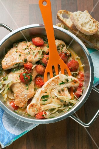 Turkey escalopes with tomatoes and capers