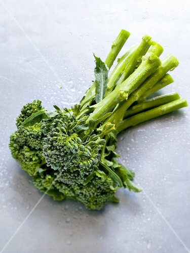Broccolini with drops of water