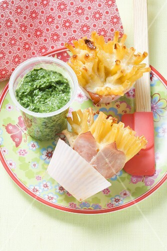 Ham with pasta and creamed spinach