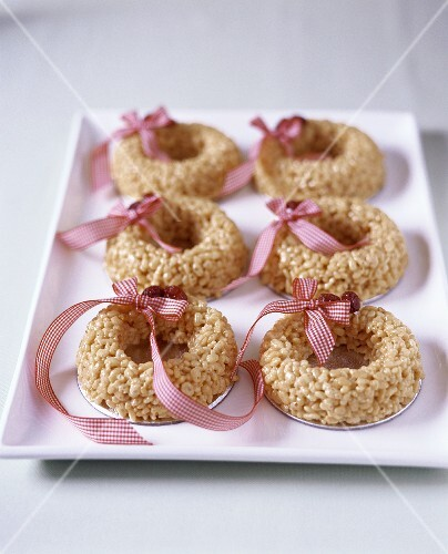 Ring-shaped rice cakes
