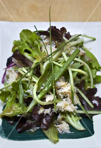 A mixed leaf salad with crab meat (Devon crab)