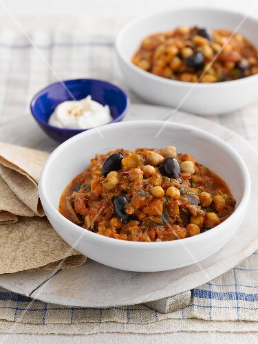 Chickpea stew with olives (Morocco)