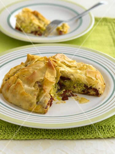 Puff pastry with leek and feta