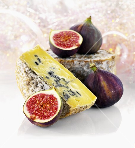 Dovedale cheese and fresh figs